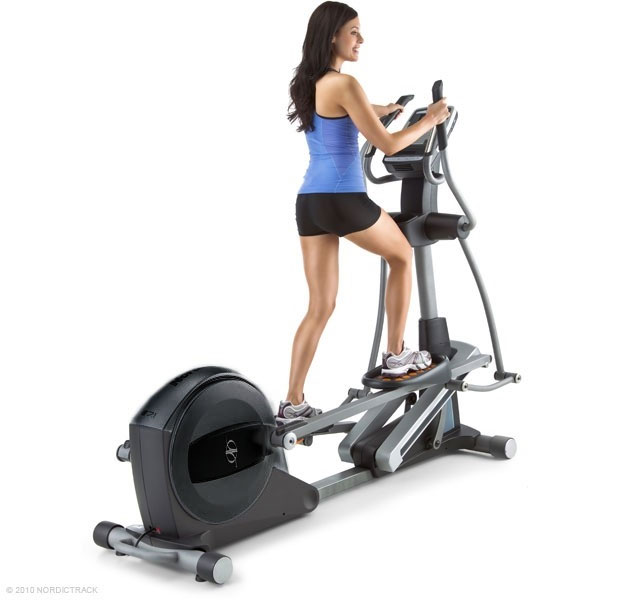 NordicTrack E11.5 Elliptical Cross-trainer - demo with lady
